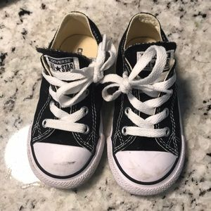 Kids converse chuck Taylor barely worn
